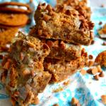 Oatmeal Creme Pie Magic Bars {Oatmeal Creme Pie WEEK!!}