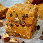 Thick & Chewy Snickers Cookie Bars