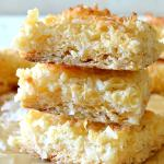 4-Ingredient Coconut Macaroon Bars