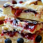 Red, White & Blueberry Pie Bars (Kuchen)