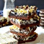 Oreo Cookies & Cream Magic Bars