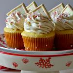 White Chocolate Peppermint Mousse Cupcakes