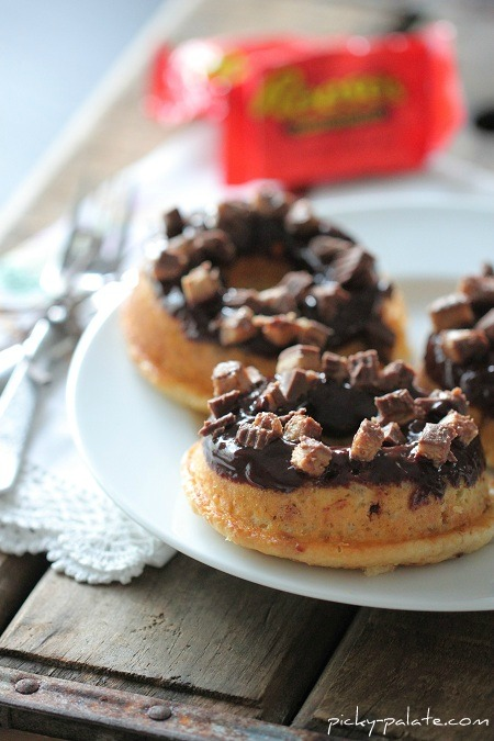 Reeses-Peanut-Butter-Cup-Baked-Donuts