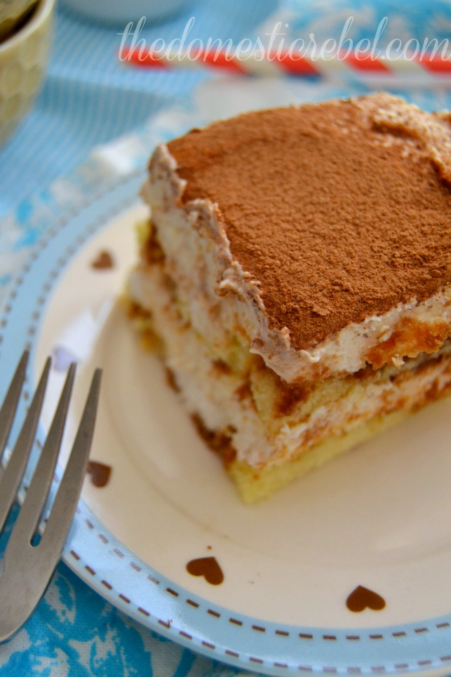 bailey's twinkie tiramisu close up on blue and white plate