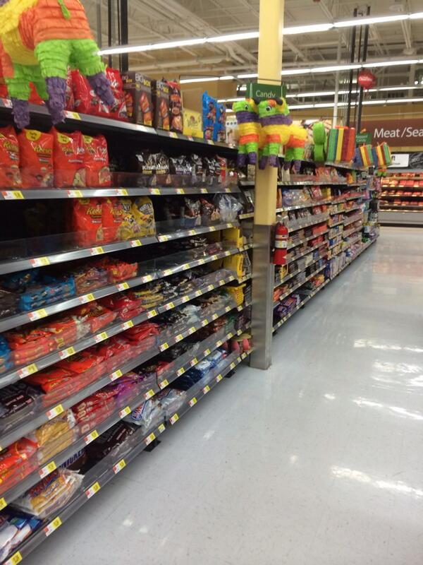 photo of grocery store candy aisle