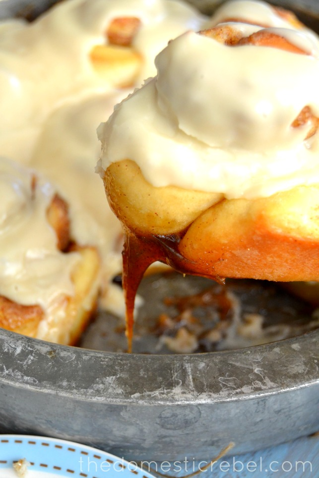 best one hour cinnamon roll lifted from metal pan