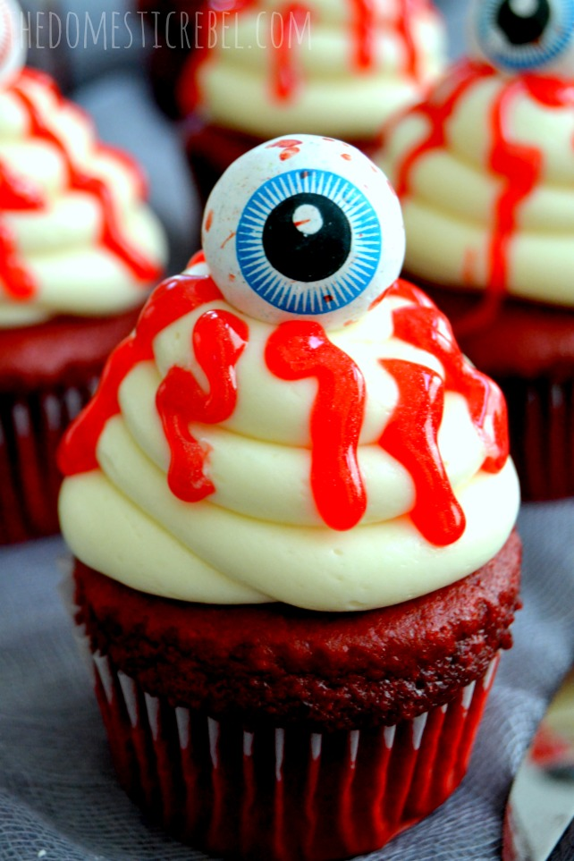 bloody eyeball halloween cupcakes closeup