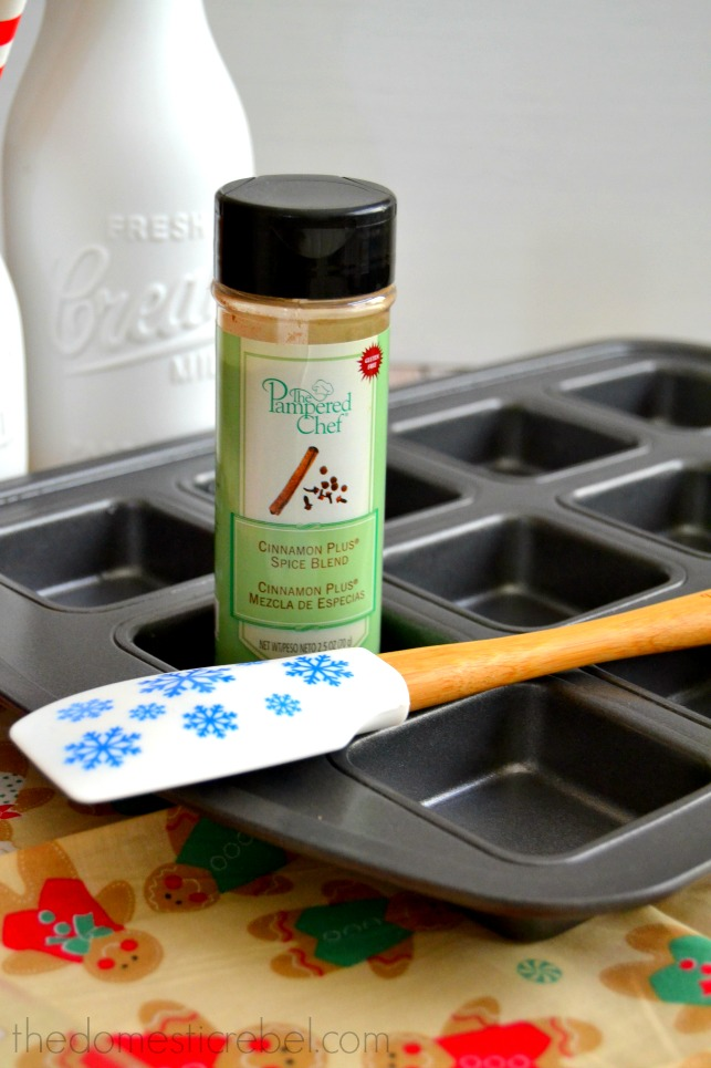 pampered chef spice photo with rubber spatula and cookie pan