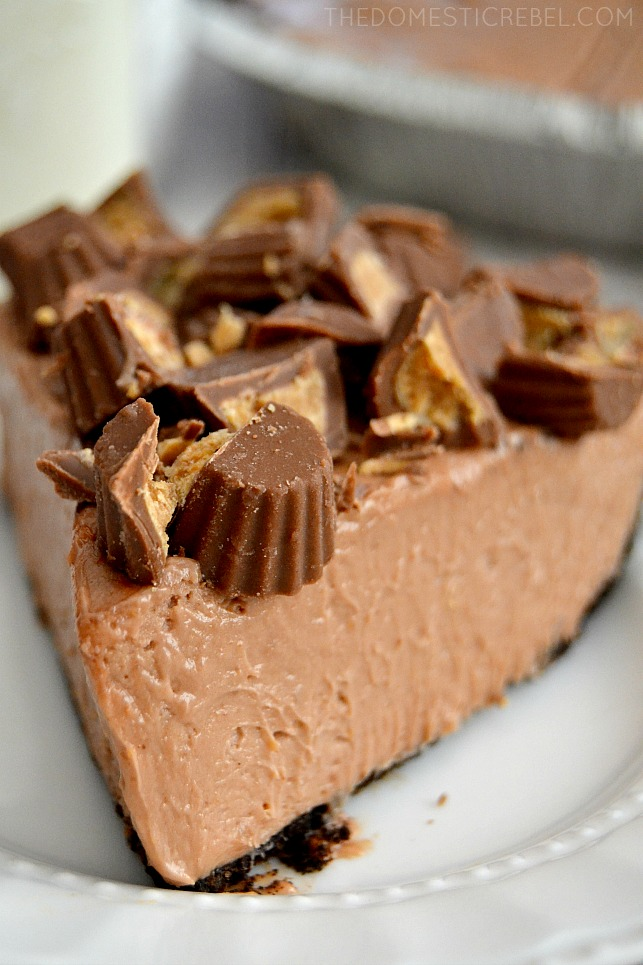 This creamy, dreamy No Bake Peanut Butter Cup Cheesecake is divine! It comes together in minutes, is easy to prepare and tastes like the inside of a peanut butter cup!