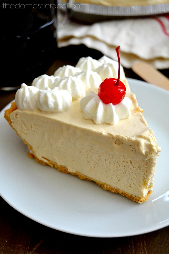 This Root Beer Float Pie is perfect! Creamy, dreamy, icy and sweet, it's packed with that nostalgic, old-fashioned root beer flavor!
