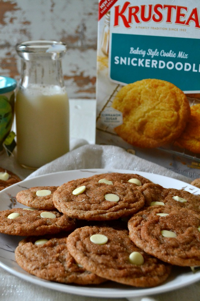 These White Chocolate Chai Snickerdoodles are so flavorful and utterly delicious! Made simple with a mix that's been dressed up for maximum flavor!