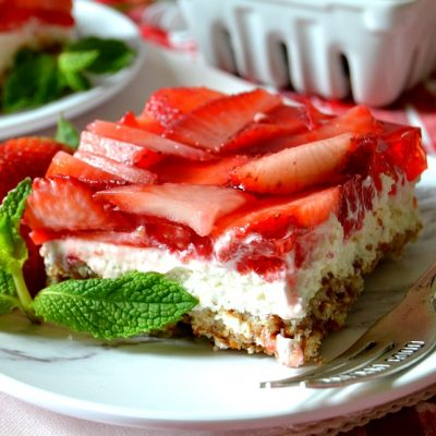 Strawberry Pretzel Salad Bars