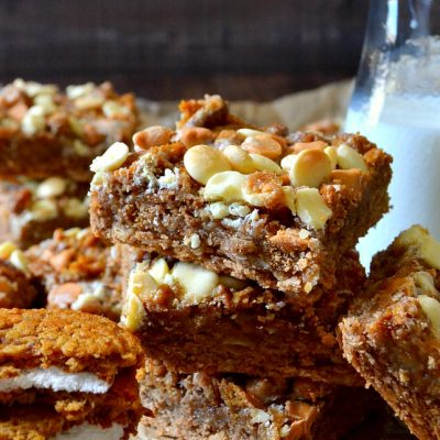 Oatmeal Creme Pie Gooey Bars