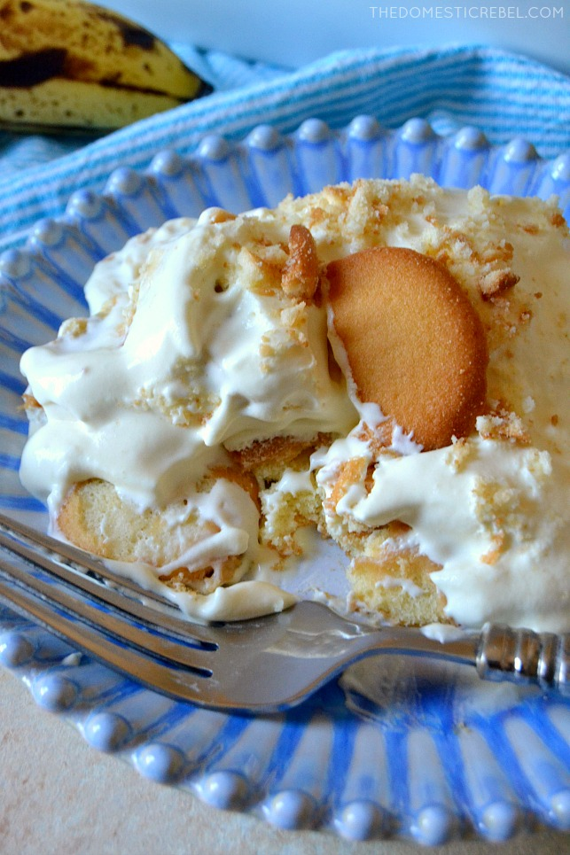 This Famous Banana Pudding is the BEST recipe I've tried! It tastes EXACTLY like the popular Magnolia Bakery's banana pudding in NYC! Creamy, light, fluffy and filled with fresh banana flavor! Plus, it feeds a HUGE crowd!