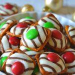Christmas pretzel hugs in a white dish
