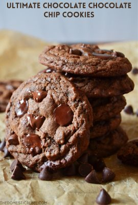 small arrangement of chocolate chocolate chip cookies